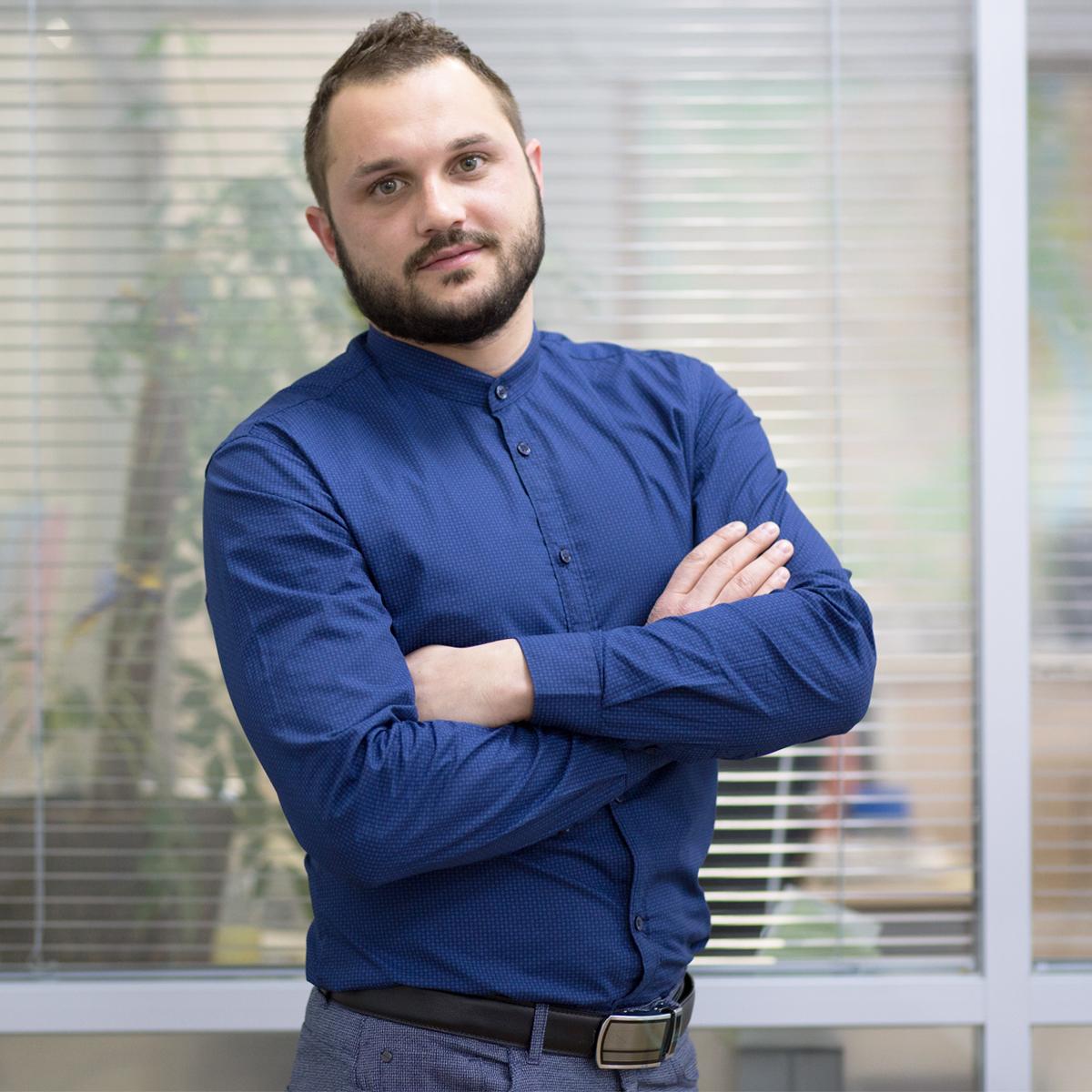 Олег Янішевський